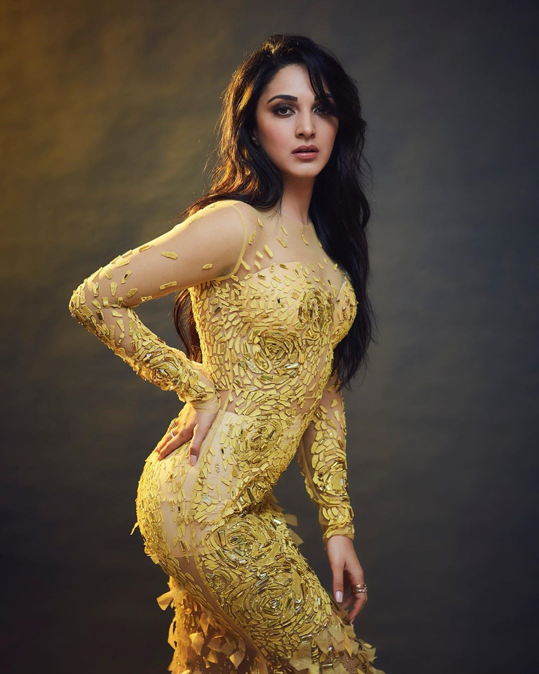 Kiara Advani latest hot images and film News