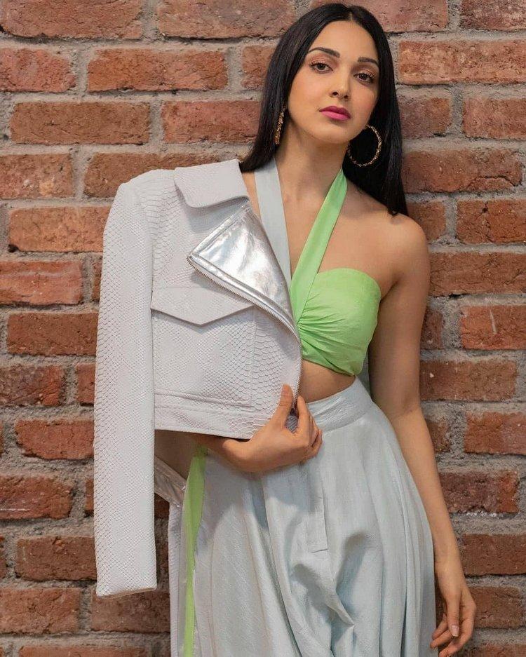 Kiara Advani latest hot images and film News