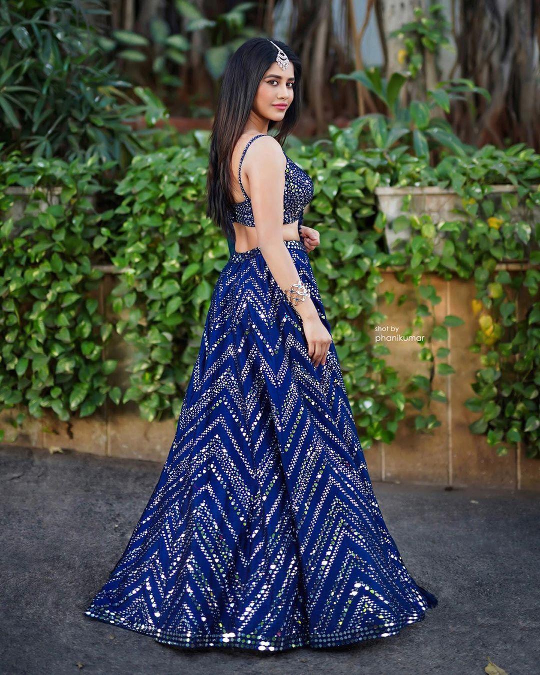 Nabha Natesh hot images and latest movie news