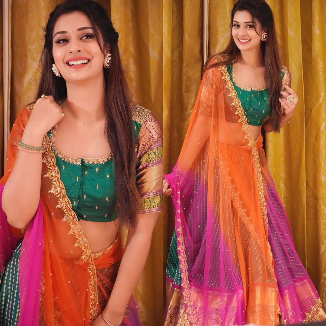 Payal Rajput sexy pics and latest movie news