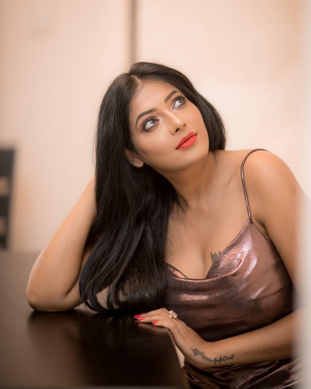 Reshma Pasupuleti Hot Images and latest movie news