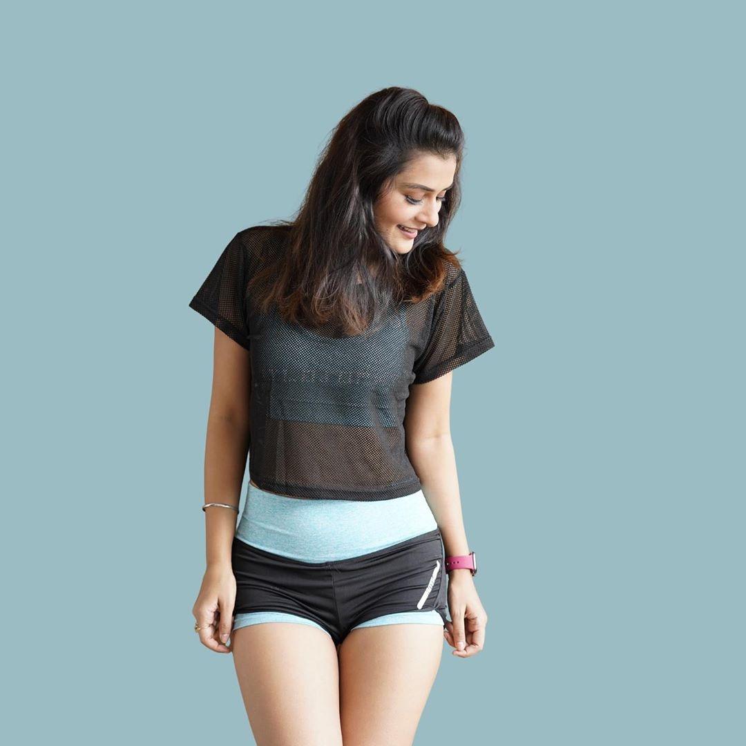 Actress Payal Rajput Hot Photoshoot and upcoming telugu movie news