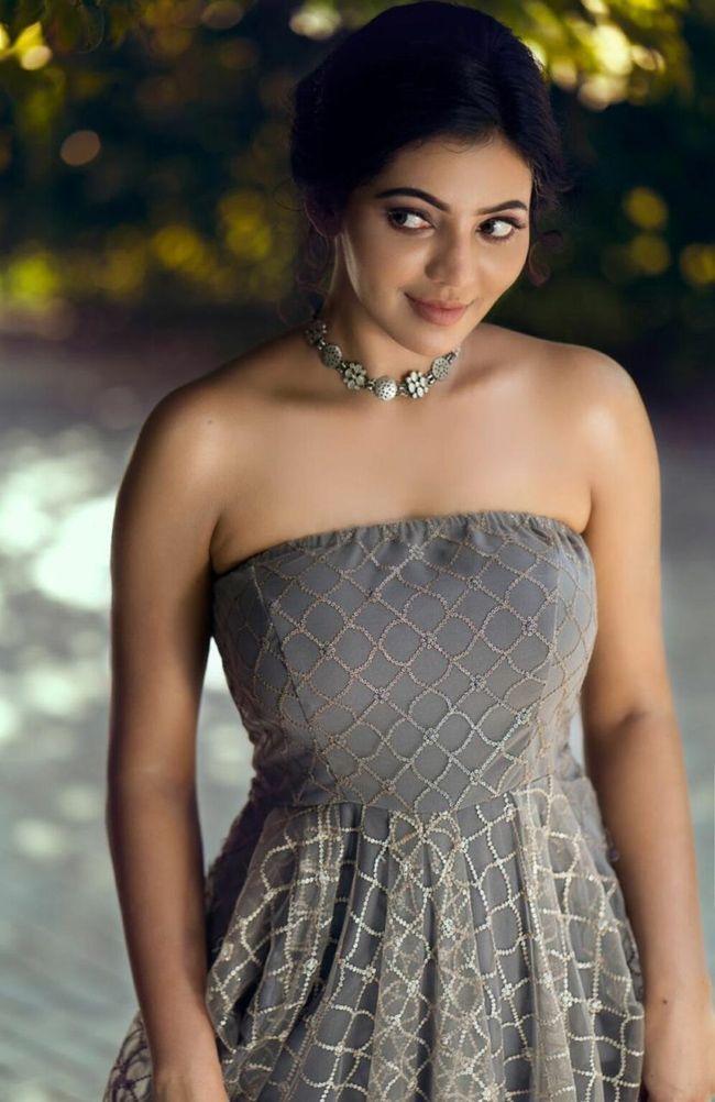 Athulya Ravi Trendy Looks