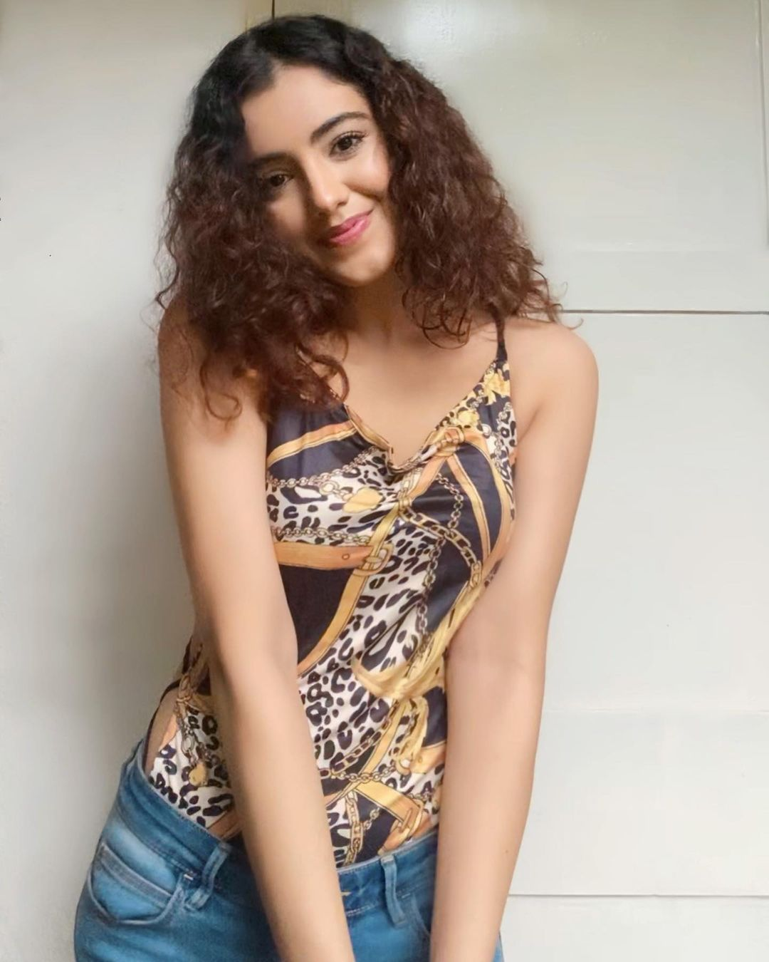 Malavika Sharma Hot Saree Photos and Sexy Photos