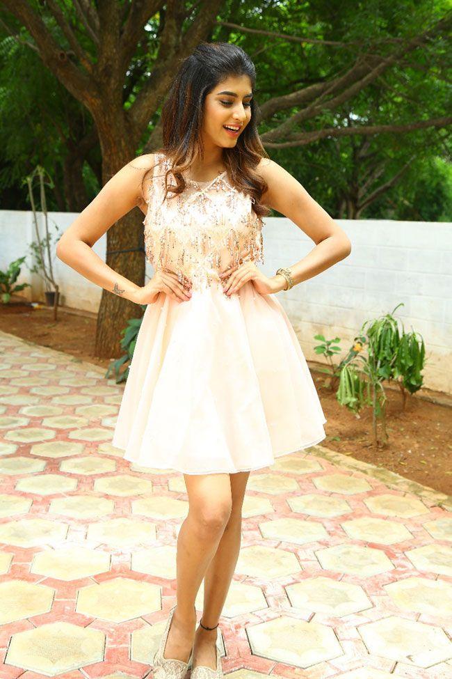Tempt Raja Actress Divya rao Hot images and sexy photos