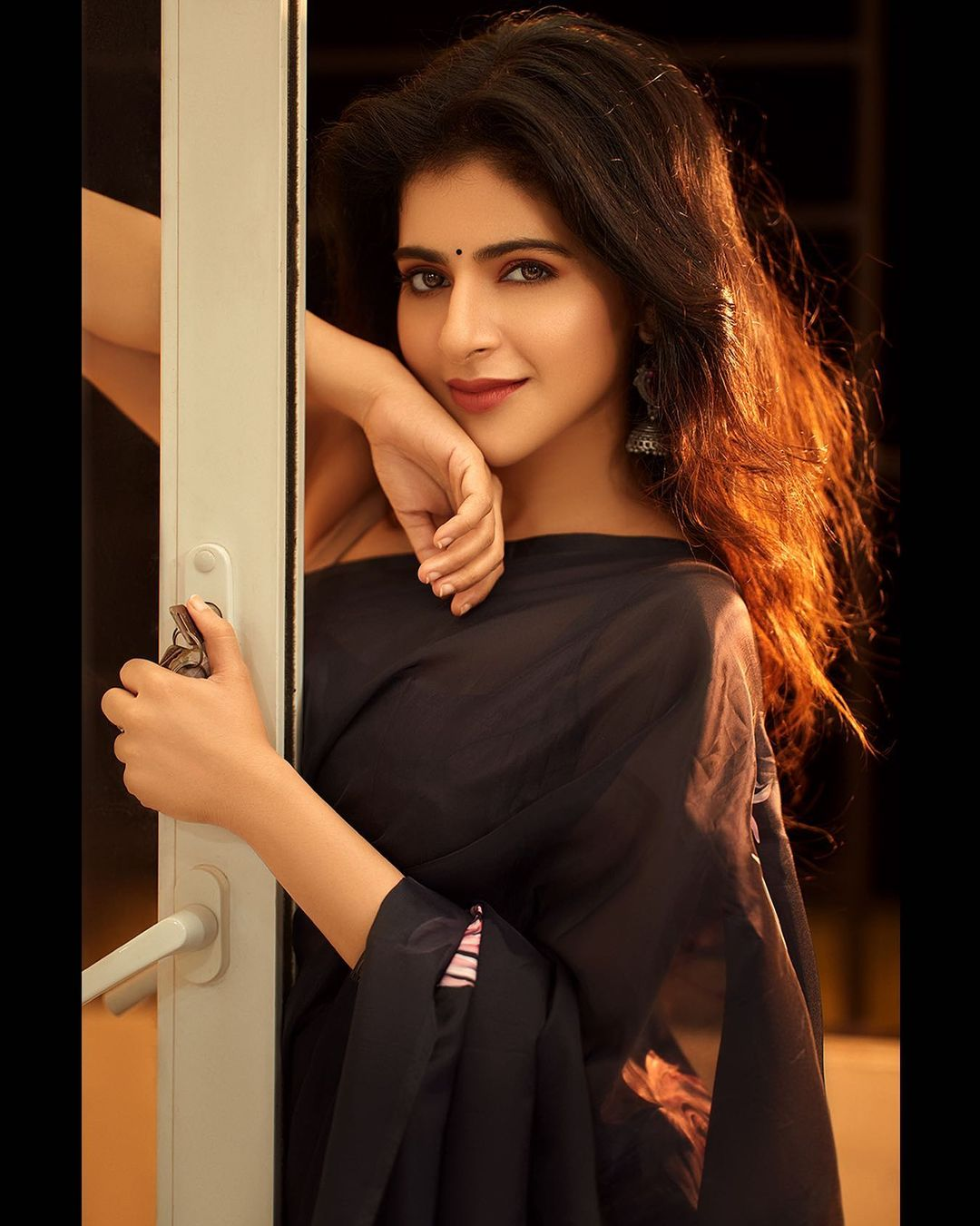 Iswarya Menon latest Photo shoot and sexy images