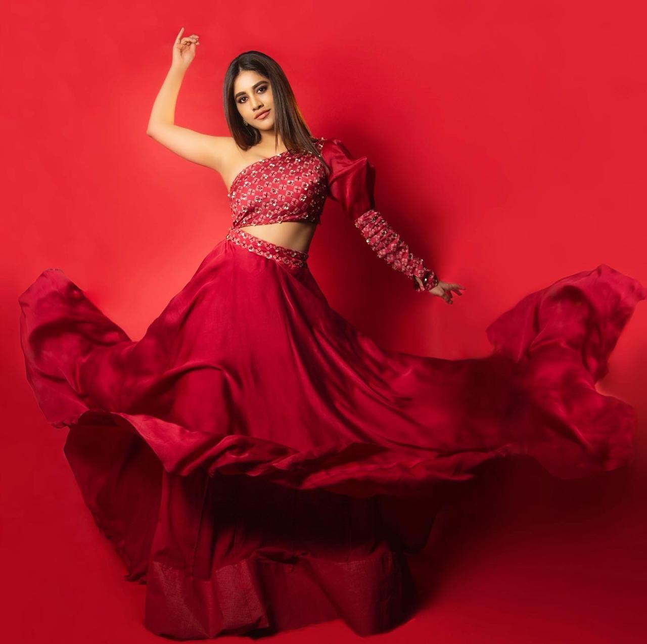 Nabha Natesh Latest Hot Images and RED Movie