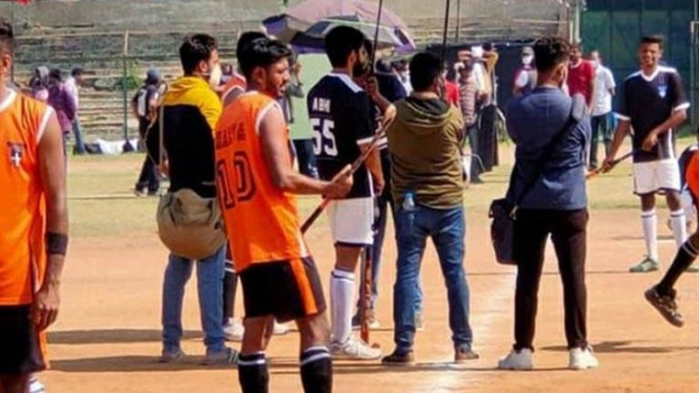 Thank you Leaks: Naga Chaitanya holds Hockey Stick