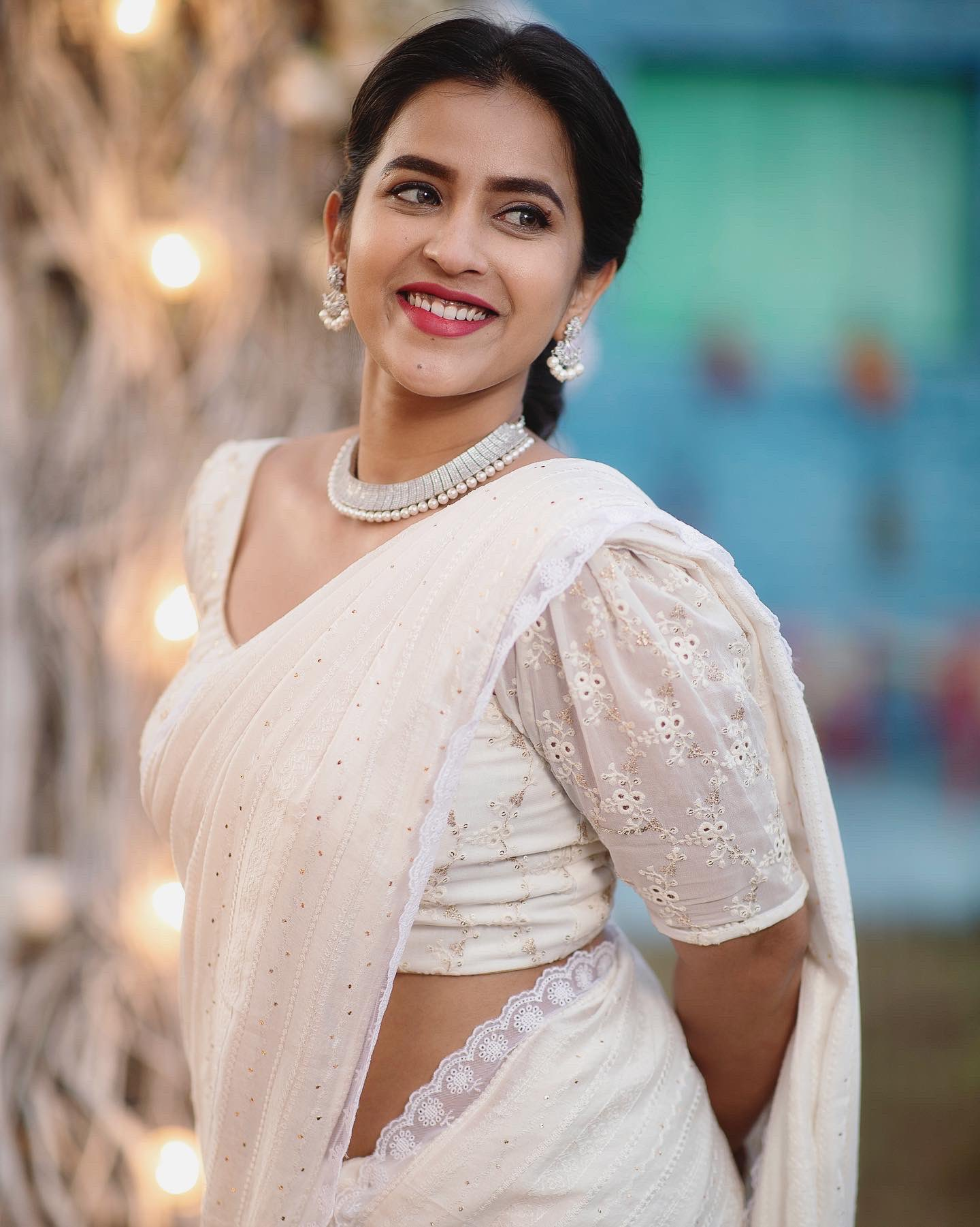 Tollywood Actress Komalee Prasad Hot Images, Sexy photos and movie news