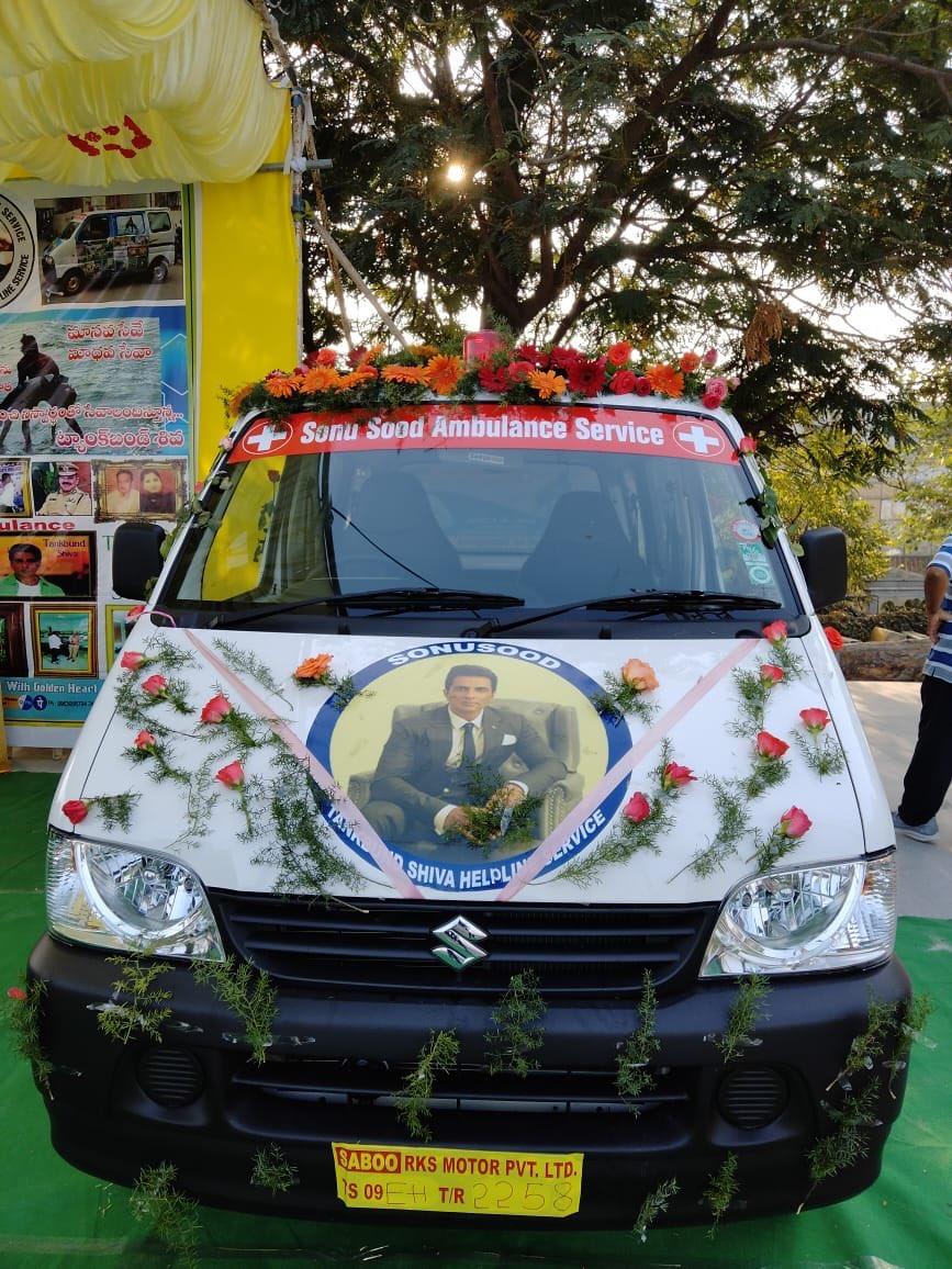 Tank Bund Shiva Starts An Ambulance Service On Sonu Sood Name