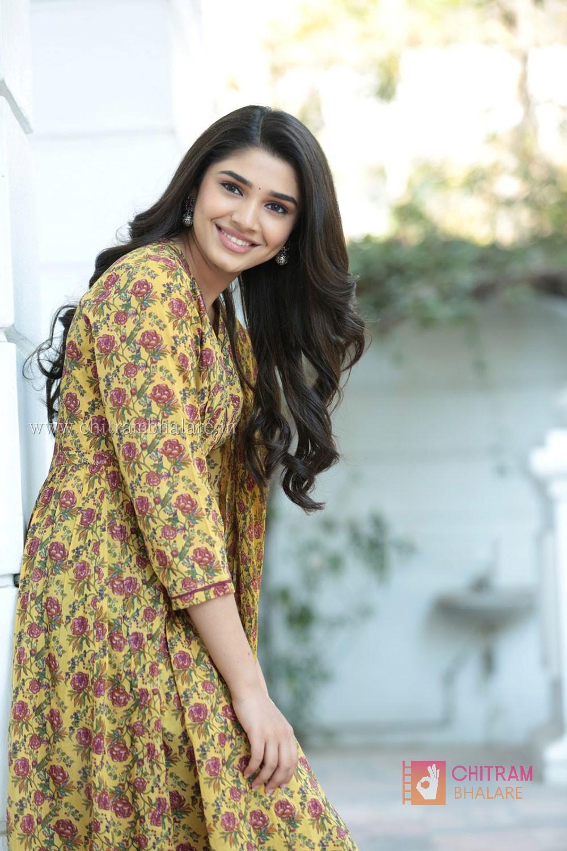 Krithi Shetty Hot Navel Photo shoot and images