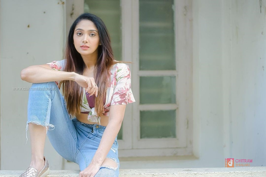 Natasha Doshi Photo shoot Pics and movie news