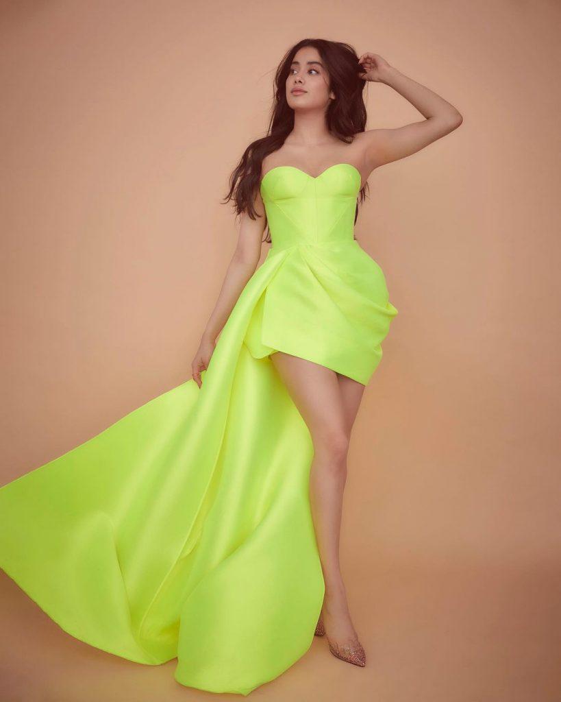 Janhvi Kapoor hot photoshoot and navel images