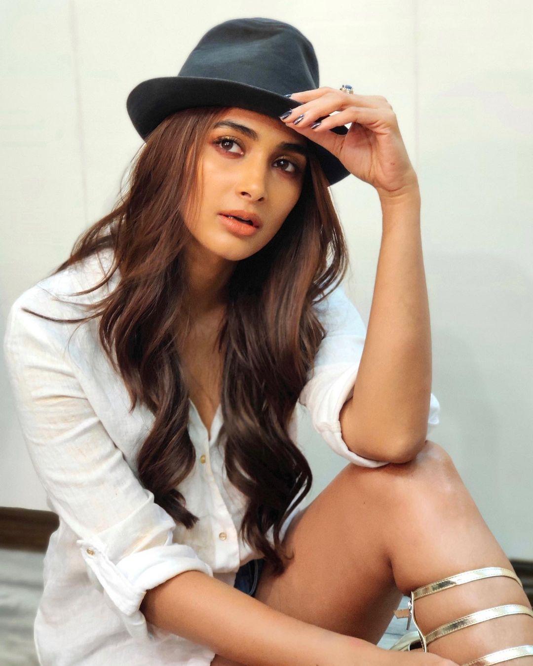 Pooja Hegde recent HD images