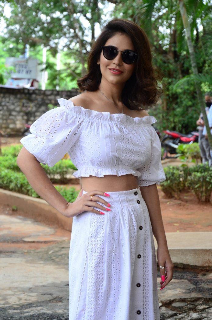 Priyanka Jawalkar recent sexy images3