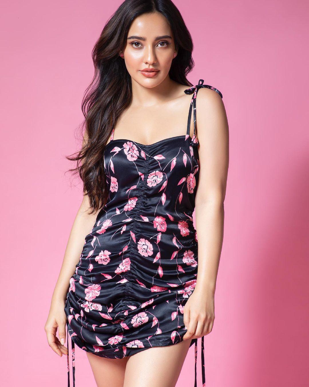 Neha Sharma Hot and Navel Photo shoot