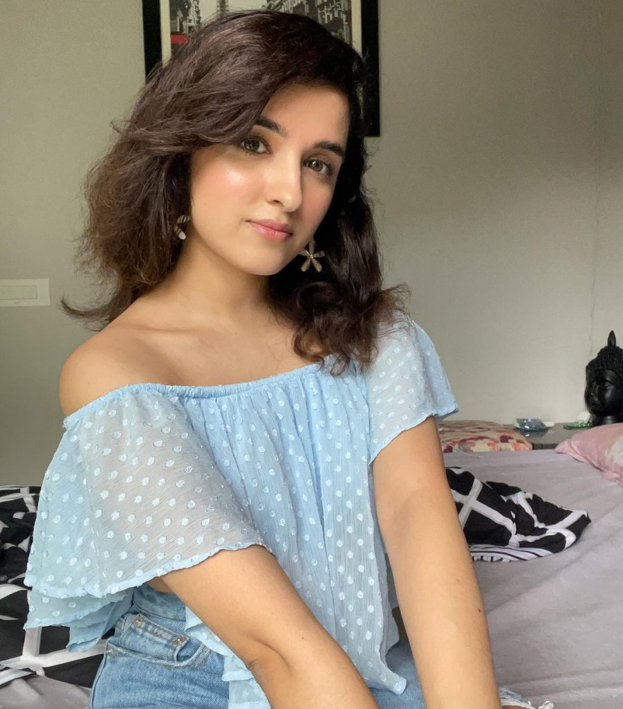 Shirley Setia latest Cute and Hot Photo shoot images