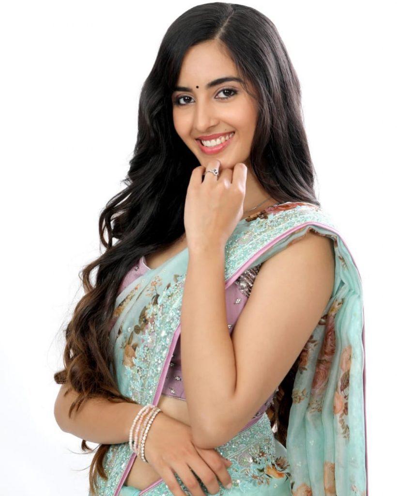 Simrat Kaur hot photo shoot and sexy images